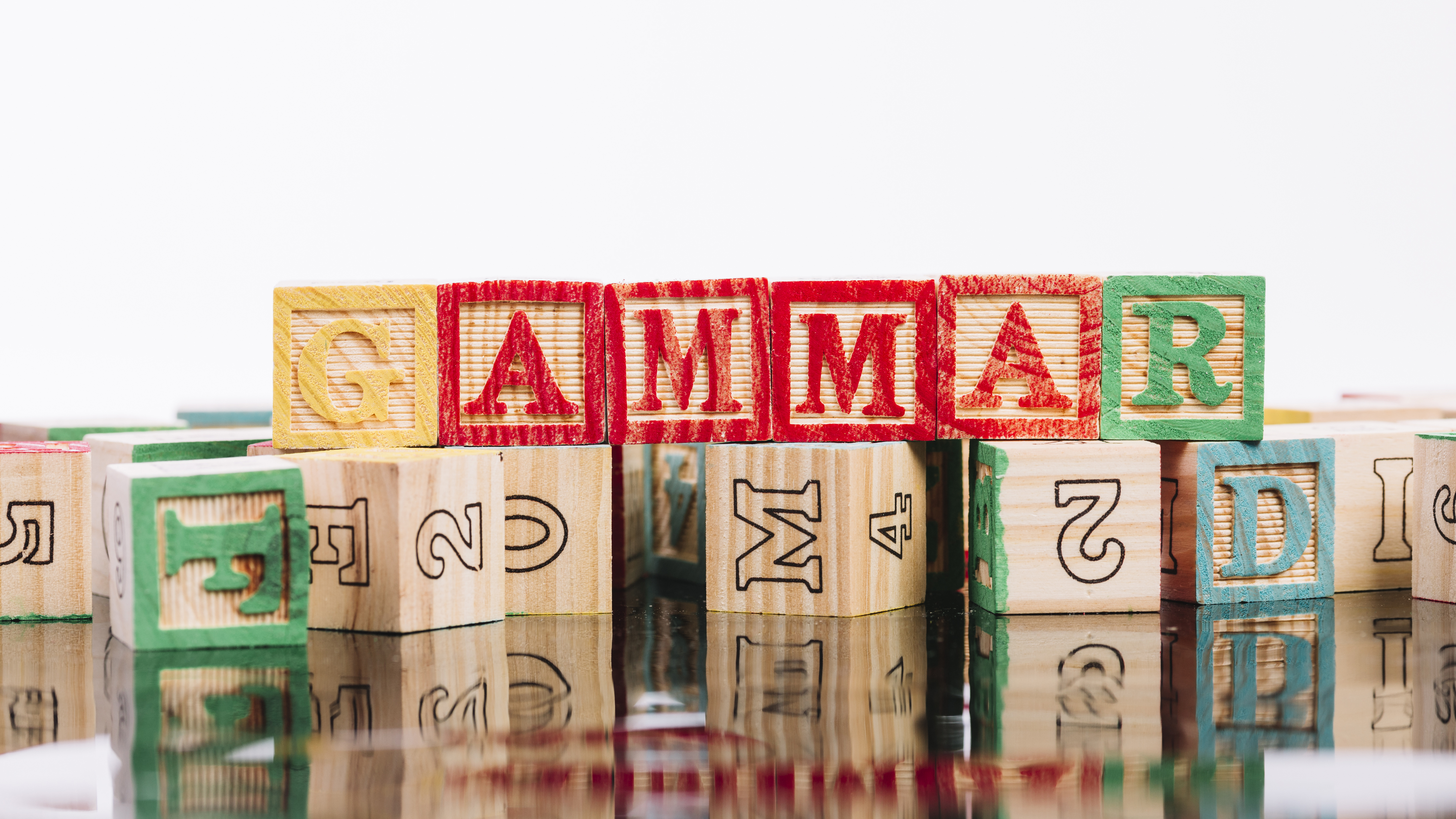 set-colourful-cubes-with-letters